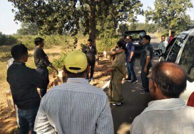पहुंची संसदीय सचिव अम्बिका सिंहदेव, हाथियों से प्रभावित होने वाले गावो को सुरक्षा के दृष्टिकोण के ग्रमीण जनों को सतर्क रहने और जिला प्रशासन और वन विभाग को तैयार रहने के दिये दिशा
