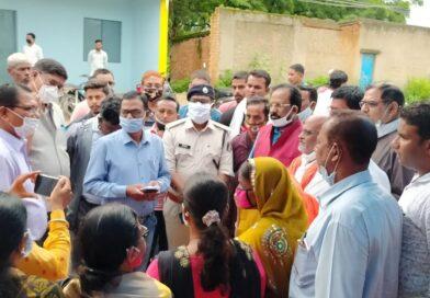 विदेश शराब दुकान 10 दिवस के अंदर हटाया जाएगा – कृष्णबिहारी जायसवाल मंदिर के समीप शराब दुकान खोले जाने के विरोध में महिला मोर्चा की दिया धरना