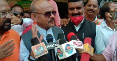 भूपेश सरकार किसानों को ठगने और धोखा देने के अलावा कुछ नही किया -कृष्णबिहारी जायसवाल किसानों की विभिन्न समस्या को लेकर प्रदेश कांग्रेस सरकार के खिलाफ धरना प्रदर्शन
